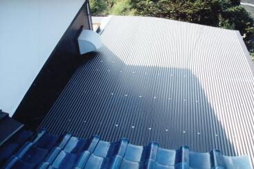 屋根トタン張替え後
